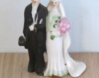 Pretty Vintage Wedding Cake Topper Bride and Groom Ceramic 1950's Bakery Supplies