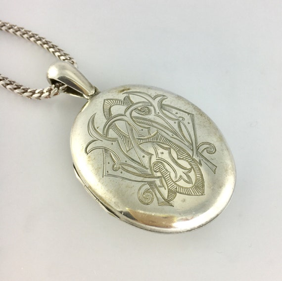 Sterling Silver Locket - Engraved Locket