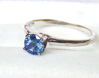 Tanzanite Solitaire Ring in 10K  White Gold, Canadian Made, Engagement, Vintage, Appraisal Included