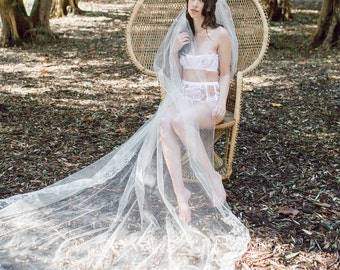 French Lace Cathedral Wedding Veil, Ivory Cathedral Veil, Lace Cathedral Veil Alencon Lace Wedding Veil, Bridal Veil, Chapel Veil, Long Veil