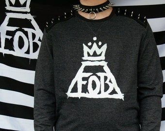 POISONED YOUTH // fall out boy sweatshirt. hand-printed patches, spiked shoulders. only size L!! comes with pin buttons!