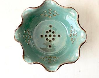 Pottery Berry Bowl - Ceramic Colander - Ceramic Berry Bowl - Berry Colander - Handmade Fruit Colander - Berry Colander - Colander
