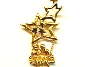 Vtg Gold Children Swinging Under Stars Brooch Pin Costume Jewelry 4th of July Independence Day Vintage Rope Swing