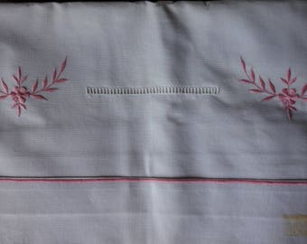 Metis Sheet Vintage French, With Pink machine embroidery