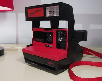Vintage Camera, Camera Polaroid 600 Cool Cam, Black and Red Color with red Strap, Polaroid 600 serie Land Camera, Vintage Retro, Iconic 80s