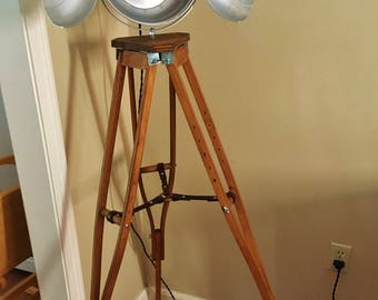 Wood Tripod Lamp, Vintage Look, Industrial Floor lamp, Steampunk Lamp, Upcycled