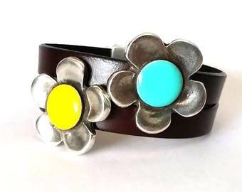 women bracelet, flower bracelet, leather bracelet, style uno de 50,  Silver, gift for women, enamel bracelet, daisy flower bracelet