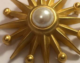 Vintage Brushed Gold SUN Brooch ~ Pearl Center ~ Very NICE