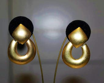 SALE! Vintage Designer French Couture High End Matte Gold Tone Exquisite Dangle Earrings E19