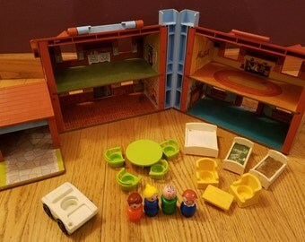 Vintage FISHER PRICE Little People Play Family House Set 952 Brown Tudor