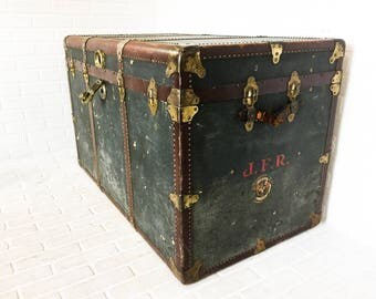 OshKosh Trunk Co Antique Steamer Travel Trunk Large Shipping Case Coffee Table Storage Chest