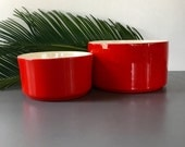 vintage red round modern planters by Haeger pair of 2