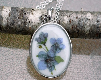 Real Forget Me Not Flowers Preserved in Resin Pendant Necklace Blue Pressed Flower Silver Oval Bezel Botanical Nature Jewelry Floral Pendant