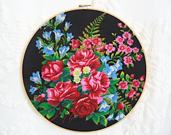 JAPANESE FLOWERS wall decoration - VINTAGE embroidery hoop and scarf