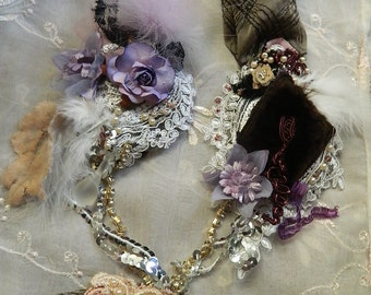 Baroque embroidered and adorned necklace, victorian era, velvet and faux fur