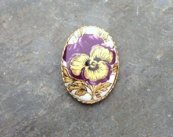Upcycled Earring Magnet, Flower Earring Magnet, Costume Jewelry Magnet, Flower Magnet, Upcycled Costume Flower Earrings