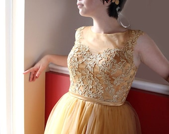 SALE-Knee Length Golden Lace Prom Party Wedding Graduation Dress with Illusion Back and Neckline