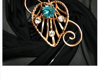 Vintage VAN DELL Pin, Heart Pin, Brooch, Mid Century, Sweater Pin, Vintage Jewelry, Vintage Valentine Pin, Valentines Day, Heart, Rhinestone