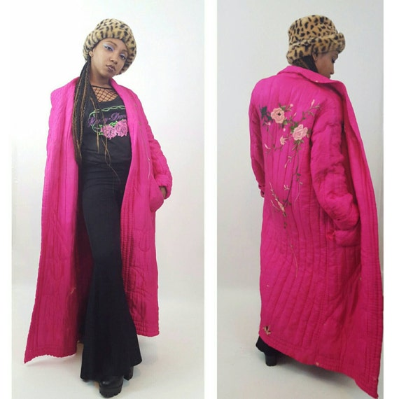 1950's Vintage Quilted Bed Jacket - Hot Pink Neon Magenta Robe Nightgown - Quilted Floral Maxi Layering Coat with Rose Floral Embroidery