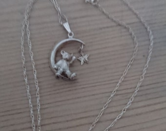Vintage sterling silver teddy bear pendant and chain
