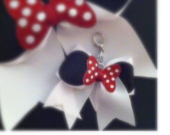 Minnie Mouse Cheer Bow Keychain