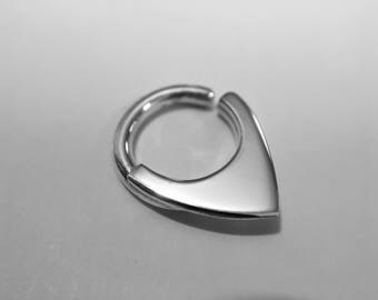 Mini Septum Shield, Small Blade Septum Hoop, Small Fin Body Jewelry