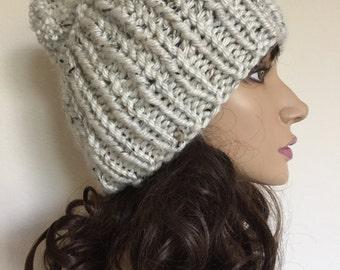 Beanie Women, Chunky Beanie Pom Pom Hat, Gift for Her, Christmas Gift Ideas, Winter Hat