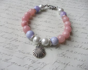 Pastel jade bracelet with silver shell charm and pearls