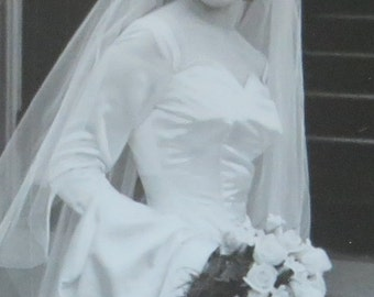 Stunning 1950's Bride On Her Wedding Day Snapshot Photograph - Free Shipping