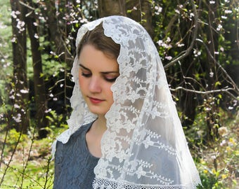 Evintage Veils~ Our Lady of Guadalupe Cream White Embroidered Lace Chapel Veil Mantilla D Shape Latin Mass