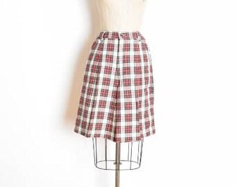 90s gap shorts, vintage 90s shorts, plaid shorts, red white shorts, high waisted shorts, preppy shorts, punk shorts, tartan plaid, L large