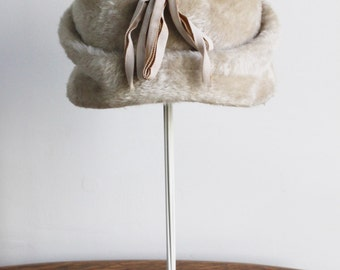 Vintage 1950s Cloche Hat / 50s Haggartys Faux Fur Tan Women's Vintage Hat / Turban Beige Made in Italy
