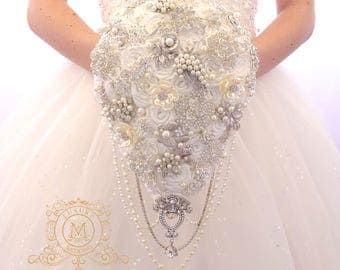 Ivory or white BROOCH BOUQUET. Wedding teardrop bouquet. Cascading pearl bridal boquet. Waterfall satin roses broach crystal bling jeweled