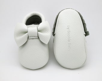 Baby Moccasins, Baby White Bow Moccasins, Baby Leather Shoes, Genuine Leather Moccs, Toddler Moccasins, Baby Moccs, Baby Shower Gift