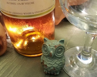 Green or Red Owl Wine Stopper