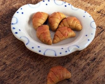 Set of 3 croissants - scale 1: 6