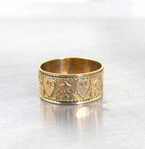 Antique Victorian Wedding Band Ring Embossed Hearts Cigar