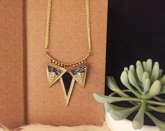 gold spike necklace, spike necklace, gold necklace, gold spike, triangle necklace, spike pendant, jewelry, gold, necklace, geometric