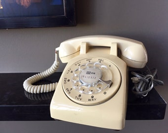 Vintage ROTARY DIAL TELEPHONE, Northern Telecom Made in Canada, 1960s Cream Colored Rotary Phone