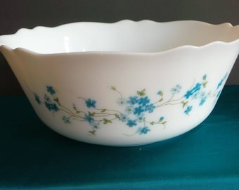 Vintage pyrex - large Arcopal bowl with a blue floral design - Veronica Myosotis