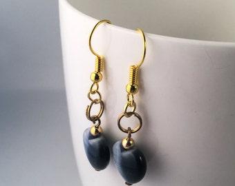 Grey earrings, grey dangle earrings, grey drop earrings, earrings grey, grey beaded earrings, heart earrings, grey heart earrings