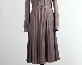 Vintage Dress // Pleated // shawl collar