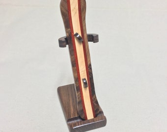Snowboard and stand (maple)