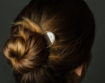 Modern Boho Hairpin, White and Gold Hair Stick Wedding, Marble Hairpin, Handmade Half Circle Hair Jewelry, Bridal Accessories for Long Hair