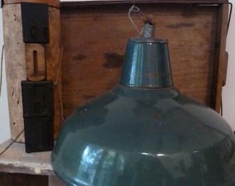 vintage industrial pendant light / industrial ceiling light / vintage enamel light/ vintage pendant light / industrial light / pendant light