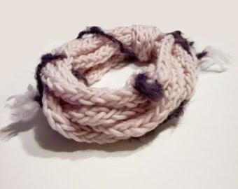 Crochet neckwarmer processing.