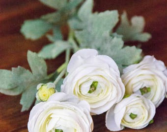 White Ranunculus Flower Bunch