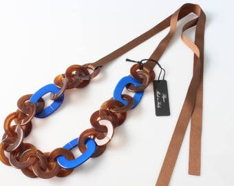 Chain necklace with Briar and electric blue rings
