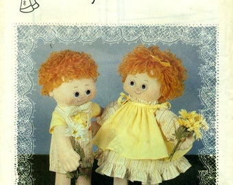 """DAISYMAE Lindsay & Lonnie 16""""  Cloth Dolls Pattern Wardrobe  © 1981"""