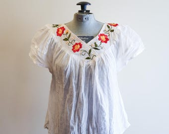 Mexican embroidered boho floral festival folk cotton gauze top sz. XS / Small